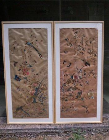 A Pair Of Chinese Embroidery Hanging Screens,Qing Dynasty