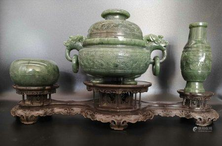 A Chinese Three Pieces,Qing Dynasty