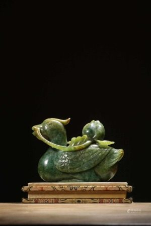 """A Chinese """"Mandarin Duck"""" Agate Decoration,Qing Dynasty"""