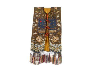 CHINESE SILK EMBROIDERED WOMAN'S XIAPEI VEST