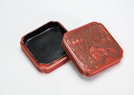 Qing-A Cinnaber Lacquer Square Box