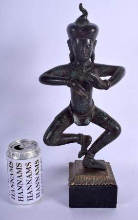 A 19TH CENTURY SOUTH EAST ASIAN BRONZE FIGURE OF A BUDDHA In