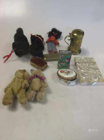 5 early 20th century miniature teddy bears/cats/golly, and a bag of miscellaneous items including