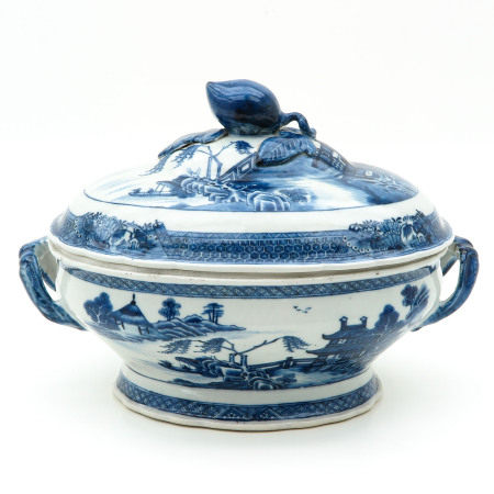 A Blue and White Tureen