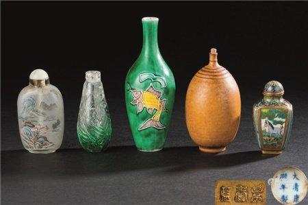 各式料器 铜掐丝珐琅 素三彩荷塘清趣纹鼻烟壶 (五件一组)