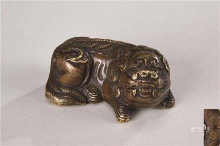 明代(1368-1644) 铜瑞兽文镇