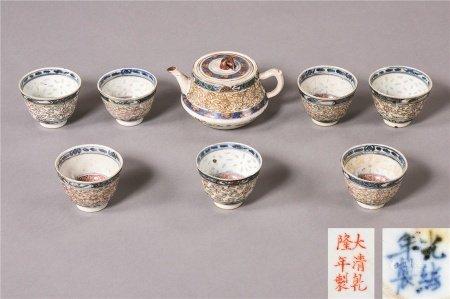 清代作 青花粉彩花卉纹茶壶 茶杯 一批