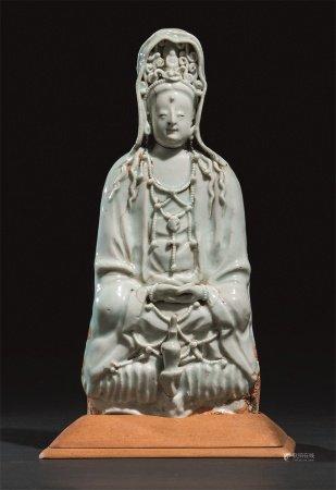 元代作 青白釉观音菩萨座像