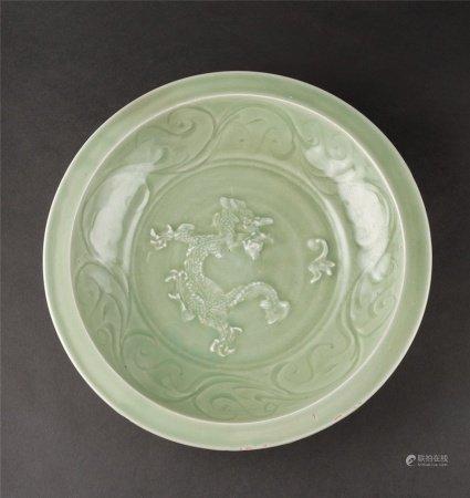 宋代-元代作 龙泉窑龙纹折沿大盘