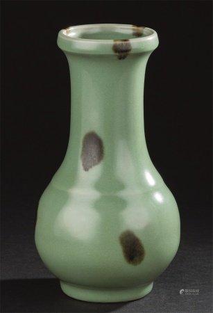 宋代-元代作 龙泉窑褐斑长颈瓶
