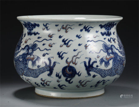 CHINESE BLUE AND WHITE RED UNDER GLAZE DRAGON PATTERN JAR
