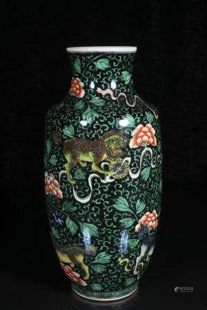qing dynasty Powder enamel vase with lion design