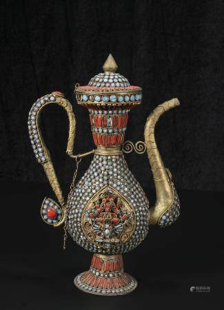 Qing Dynasty Bronze inlaid jewel flagon