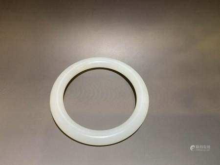 Qing Dynasty White bracelet