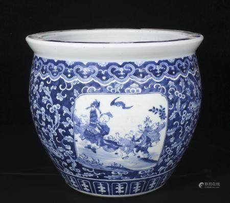 Qing Dynasty blue and white opening light children urn