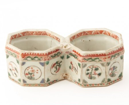 A FAMILLE VERTE TWO SECTION DISH