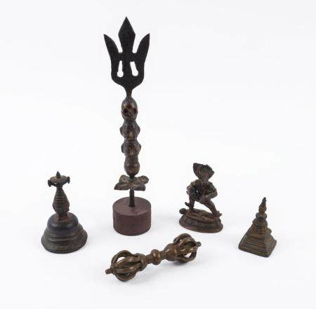 Five antique Tibetan bronze artefacts, 19th century and earl