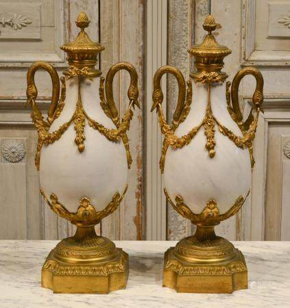 19TH CENTURY FRENCH WHITE MARBLE CASSOLETTES