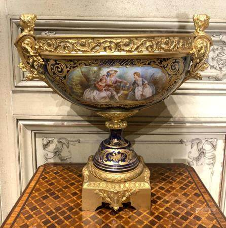 EXQUISITE FRENCH SEVRES STYLE CENTERPIECE