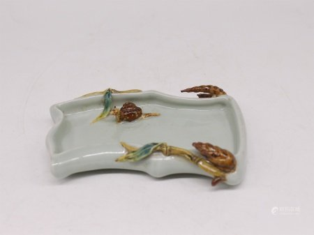 A Chinese Porcelain Brush Washer