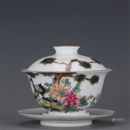A Chinese Famille-Rose Porcelain Bowl with Cover