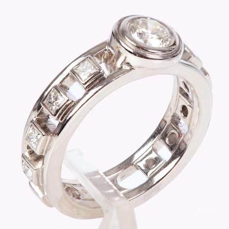 H. STERN - Designed Gold Ring Set w/ Diamonds