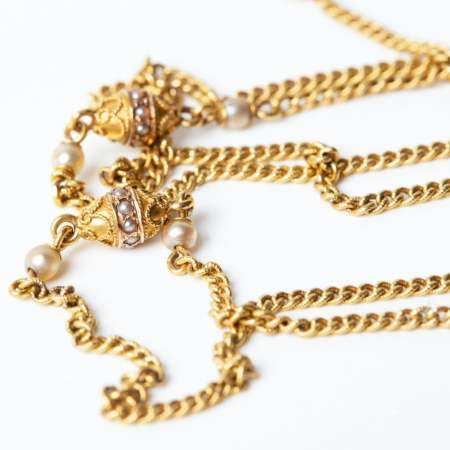 Interesting Gold Necklace Set with Pearls and Filigree