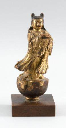 CHINESE GILT WOODEN POLE FINIAL In the form of an acolyte st