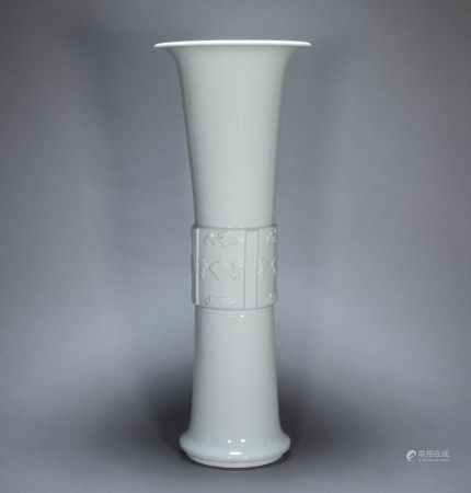 ANCIENT CHINESE HUTIAN KILN FLOWER GOBLETS