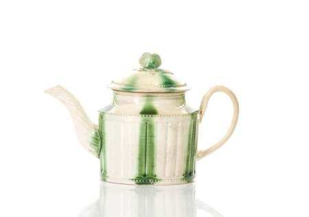 18TH C ENGLISH CREAMWARE SMALL ONE- CUP TEAPOT