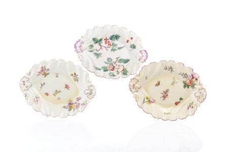 THREE 18TH C ENGLISH HAND PAINTED PORCELAIN DISHES