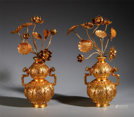A PAIR OF CHINESE SILVER GILT BONSAI DECORATION TABLE ITEM