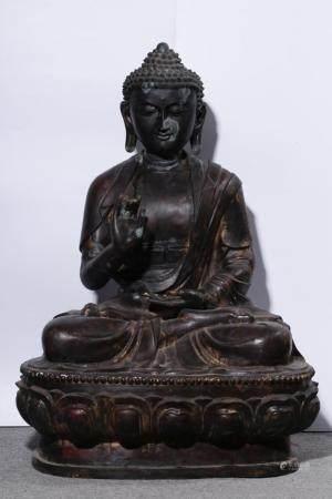 A BRONZE FIGURE OF BUDDHA .QING PERIOD