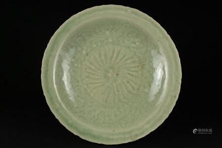 明 龍泉青釉刻花盤