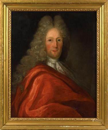 École française début XVIIIe.Portrait d'homme à la robe rouge.Huile sur toile.73 x 59,5 cm.(ren