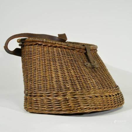Vintage Wicker Fishing Creel/Basket