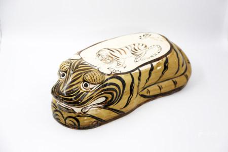 Chinese Cizhou Kiln Tiger Shape Porcelain Pillow