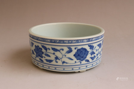 Chinese Qing Dynasty Yongzheng Period Blue And White Brush Washer