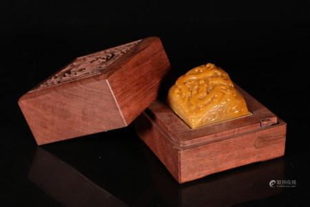 Chinese Qing Dynasty Qianlong Period Tianhuang Jade Seal