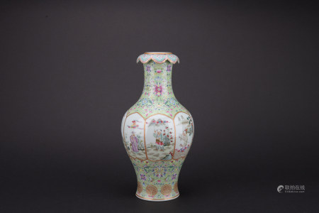 Qing dynasty famille rose bottle with figure pattern