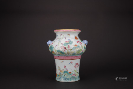 Qing dynasty famille rose jar with flowers pattern