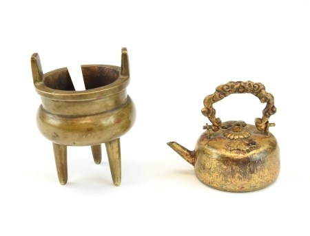 Mini Chinese Antique Bronze Censer and Water Drop