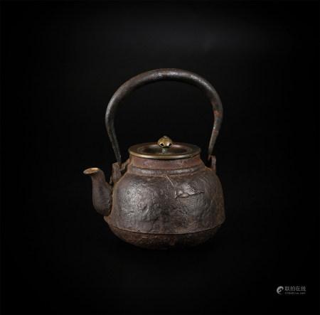 丸型小铁瓶