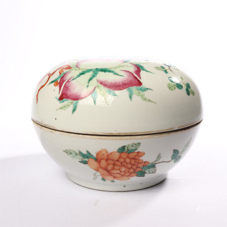 The mid Qing Dynasty pink flower and peach ornament holding box
