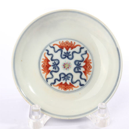 Qing Jiaqing blue and white alum red flower decorative plate