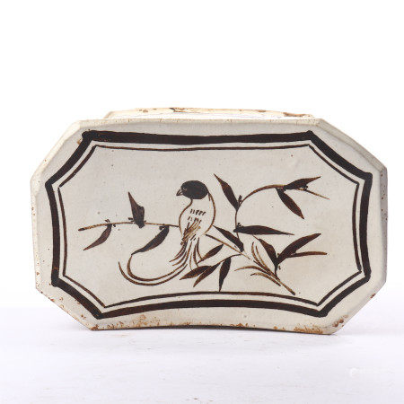 Flower and bird pattern pillow in Cizhou kiln of Song Dynasty