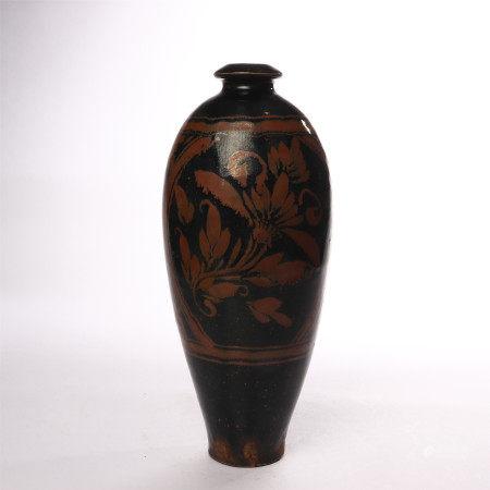 Black glazed plum vase with rust flower in Cizhou kiln of Song Dynasty