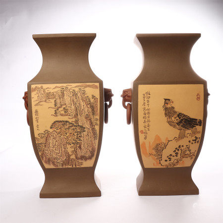 A pair of double ear zuns in the poems inscribed by the emperor in the middle of Qing Dynasty