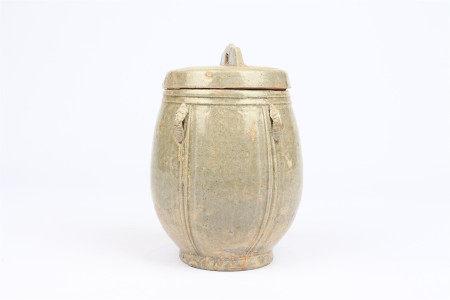 Lid jar of Yue Kiln in Western Jin Dynasty