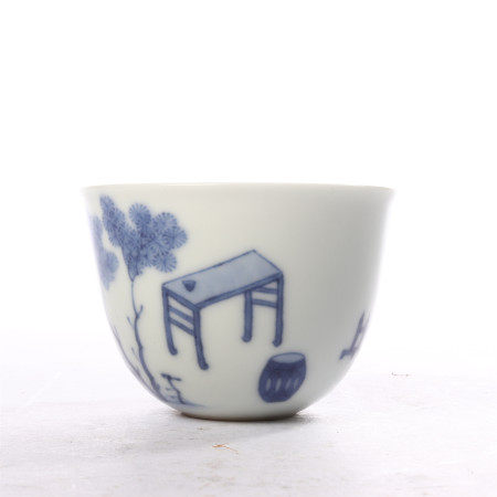 Blue and white figure cup in the middle of Qing Dynasty